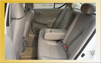 Nissan_sunny_int_rear
